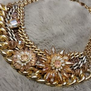Jewelry - Gold and light pink statment necklace